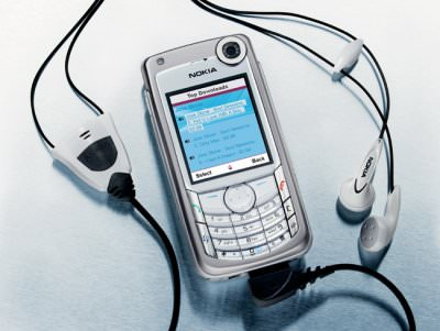 Nokia 6680 with stereo headphones